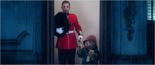 Paddington et le garde de   Buckingham Palace !